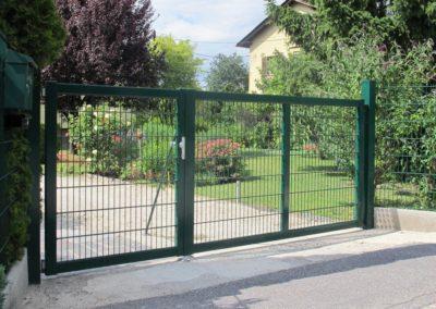 Zaunbau-Tor mit Gitter